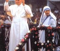 Imágenes de la madre teresa de calcuta con el papa juan pablo segundo