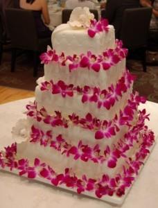 pastel-de-boda-en-color-blanco-y-rosa