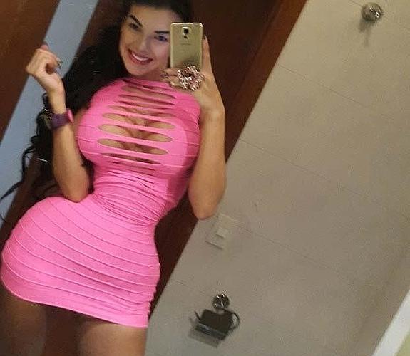 Aleira-Avendano-cintura-avispa-3--575x500