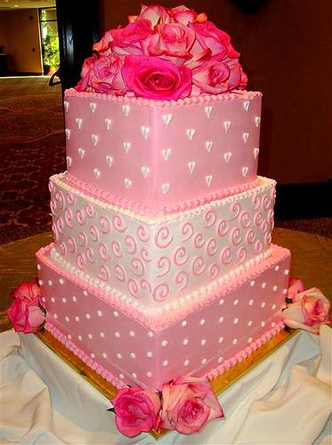pastel-para-15-años-blanco-y-rosa