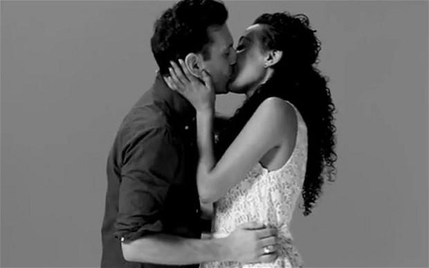 Fotos-de-personas-besandose-con-pasion