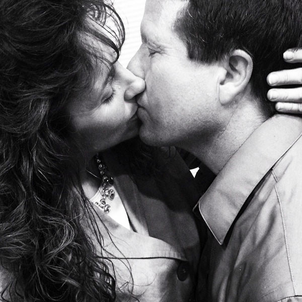 bonito-beso-de-pareja