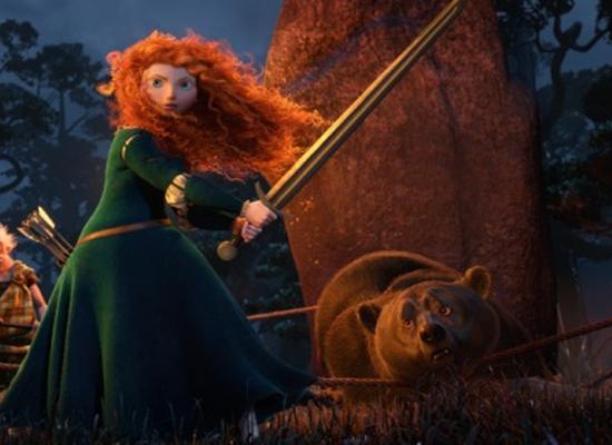 valiente-merida-con-un-oso