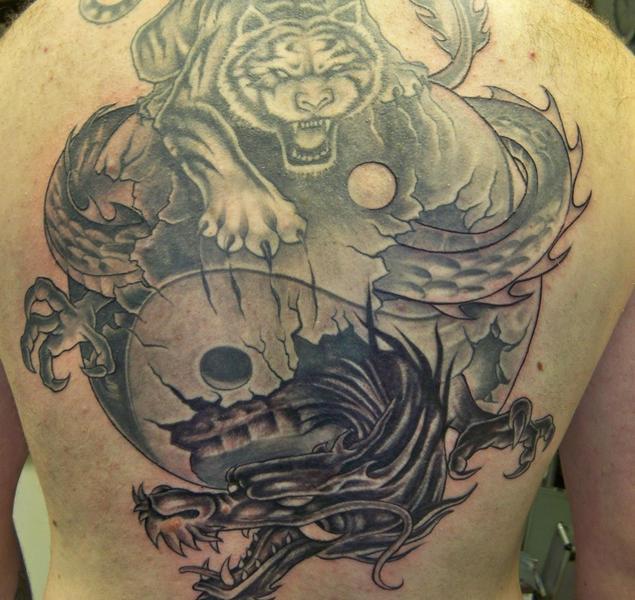 Significado-de-dragones-en-tatuajes-8_0