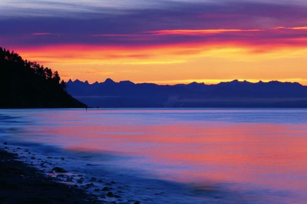 papel-pintado-paisaje-montana-amanecer