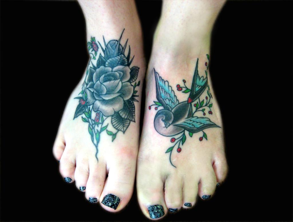 tatuaje-mujer-pie-bonito-1024x774
