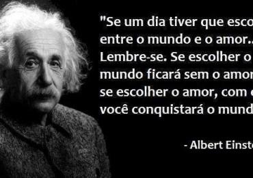 Frase-inteligente-de-amor-Albert-Einstein-370x260