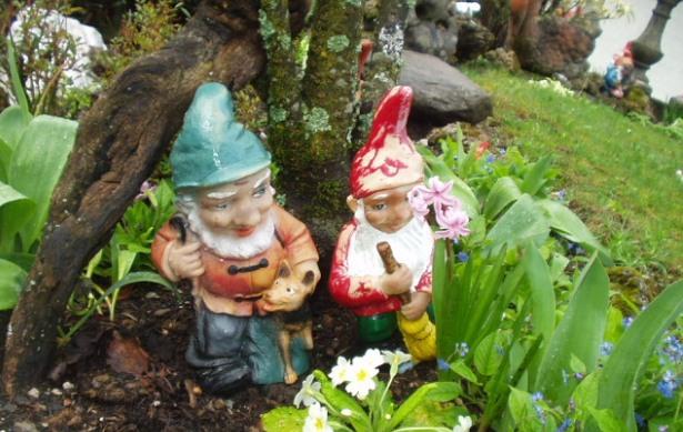 adornos para decorar el jardín