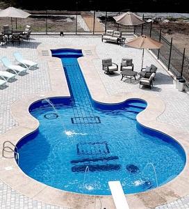 disenos-de-madera-en-forma-de-guitarra
