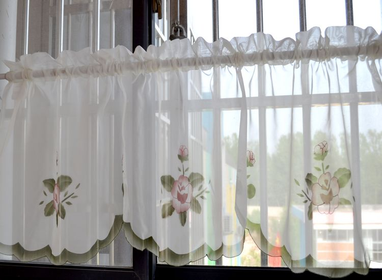 productos-acabados-bordados-cabeza-del-tubo-cortinas-decoracioacute