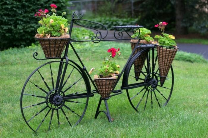 negra-adornos-para-decorar-el-jardin