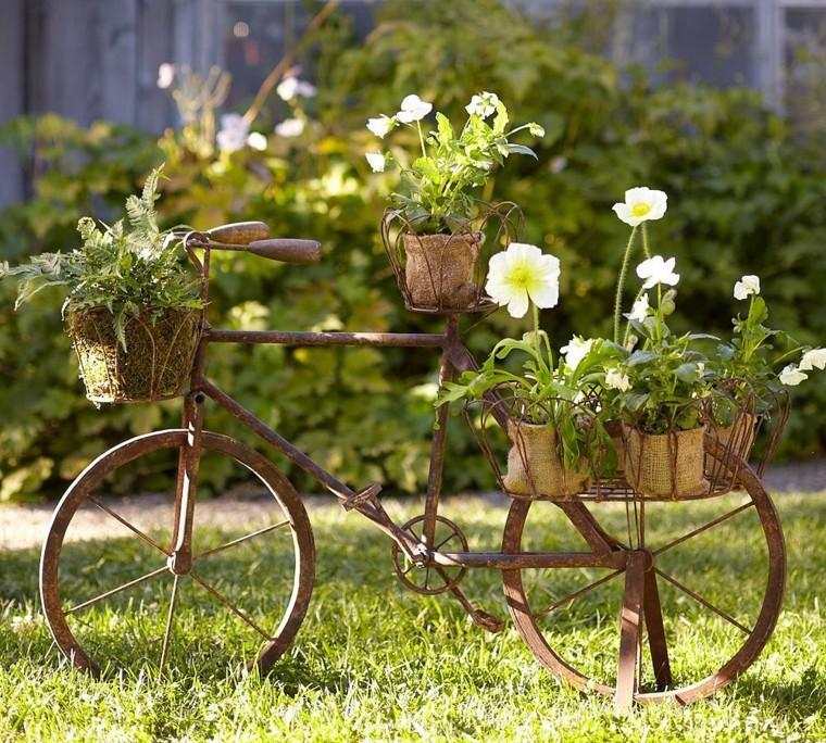 -adornos-para-decorar-el-jardín
