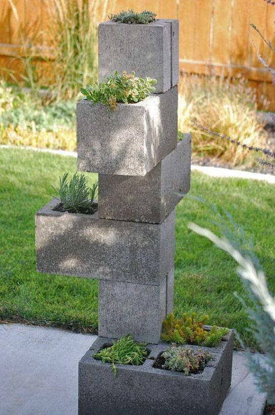 con-bloques-de-cemento-decoraciones-del-jardin-con-bloques-de-cemento