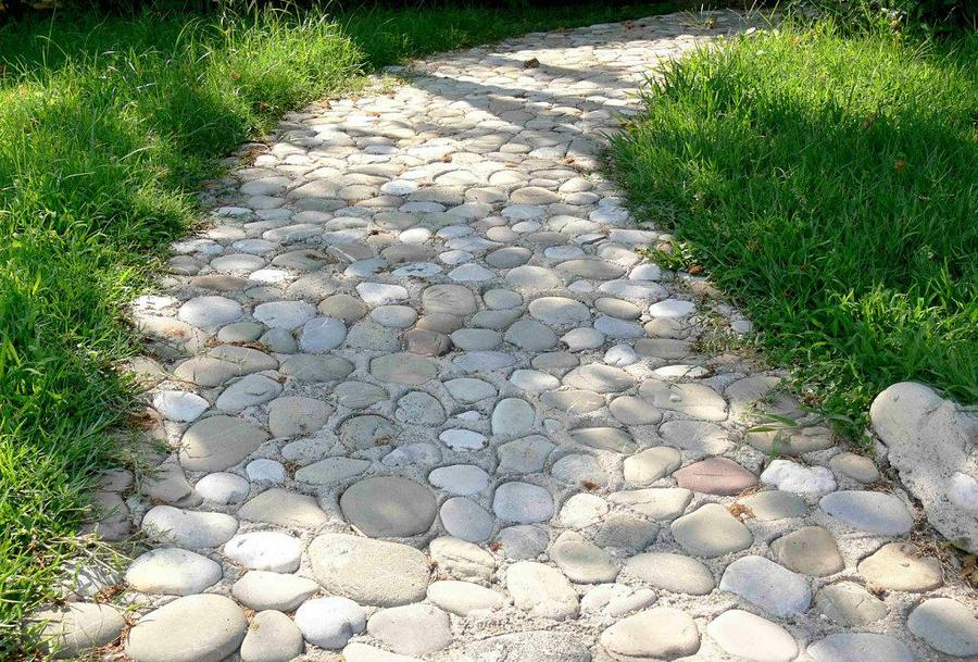 jardin-con-piedras_-piedras-decorativas-para-decorar-el-jardin