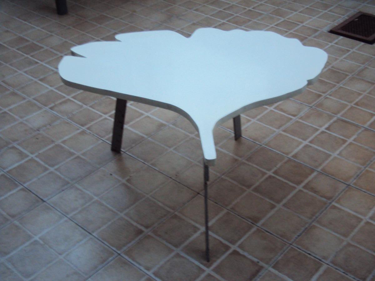 mesas-en-forma-de-hoja-2