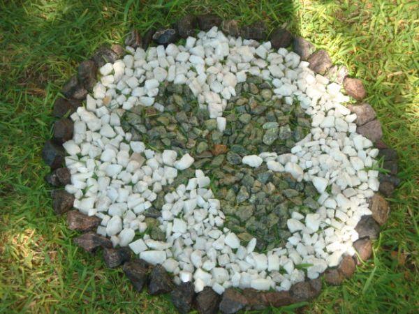 piedras-decorativas-para-decorar-el-jardin