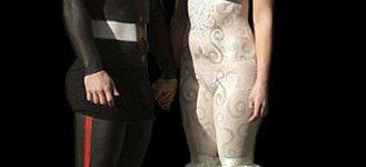 Vestido de novia con cuerpos pintados
