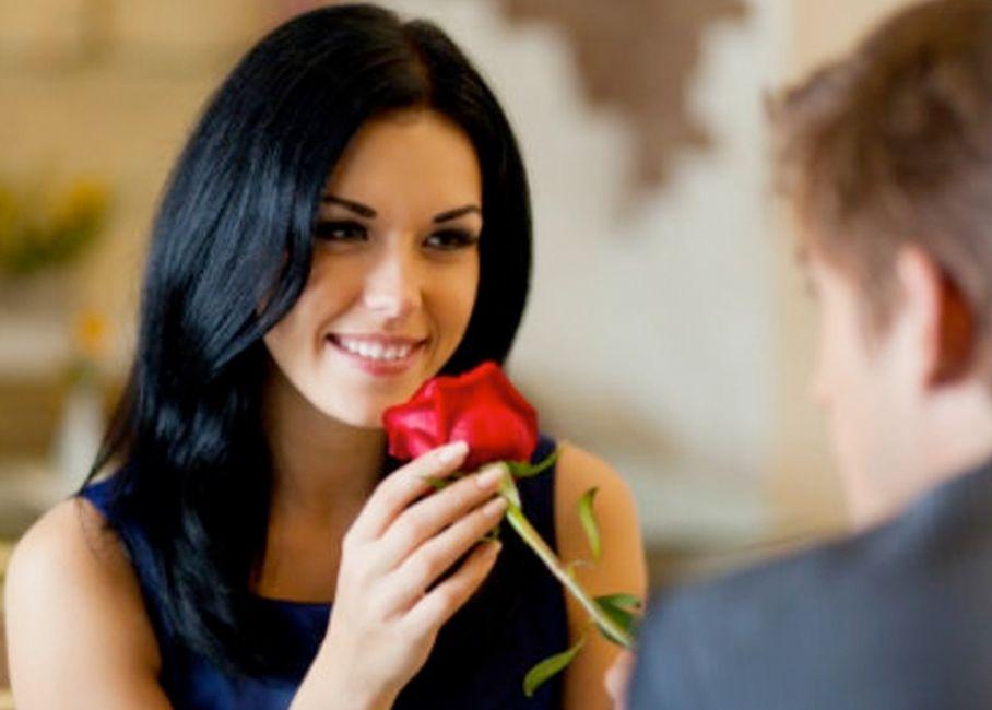 Mujer morena enamorada