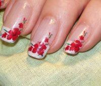 Imágenes de uñas decoradas con lindas flores