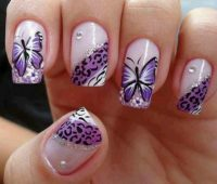 Imágenes de uñas decoradas con mariposas