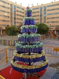 Imágenes de árboles de navidad reciclados