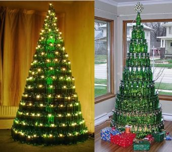 Árbol grande de navidad con botellas