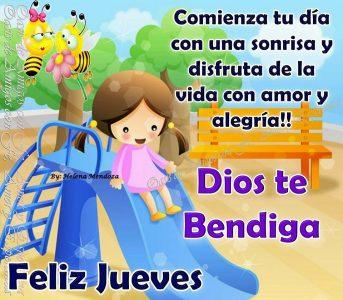 Niña con abejas, y frases feliz jueves Dios te bendiga