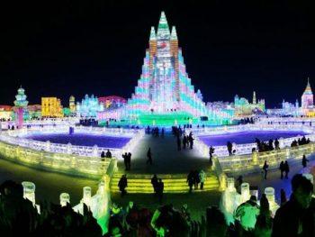 Ciudad de hielo son esculturas hechas de puro hielo